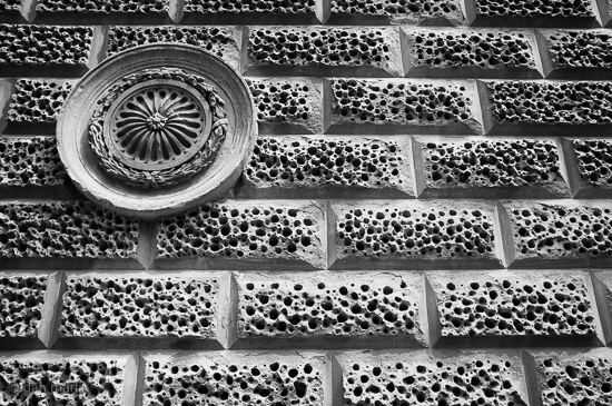 Contrast Shapes and Shadows Lovely wall rustication, Bath