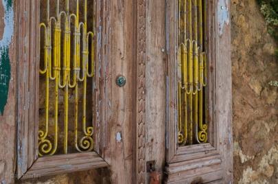 Doors! #yellow #textures