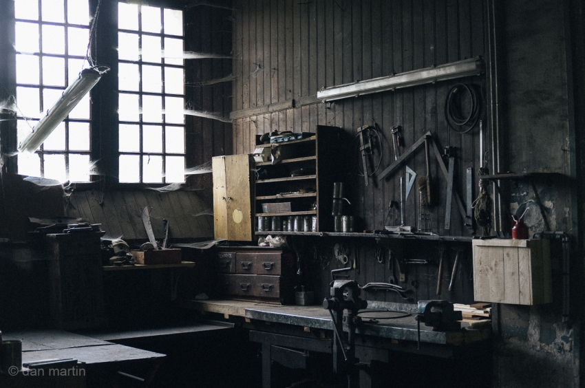 A lovely mechanic's workshop