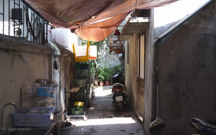A beautiful alleyway hit by the sun.
