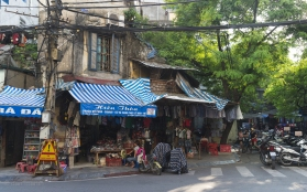 The organic nature of buildings in Hanoi. There are no rules.