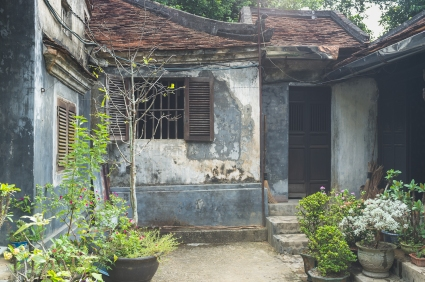 A lovely small Vietnamese residence belonging to a lovely old (90?) woman. Beautiful place.