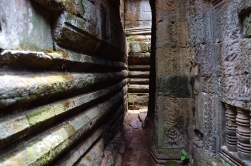 Inside the maze that is Bayon.